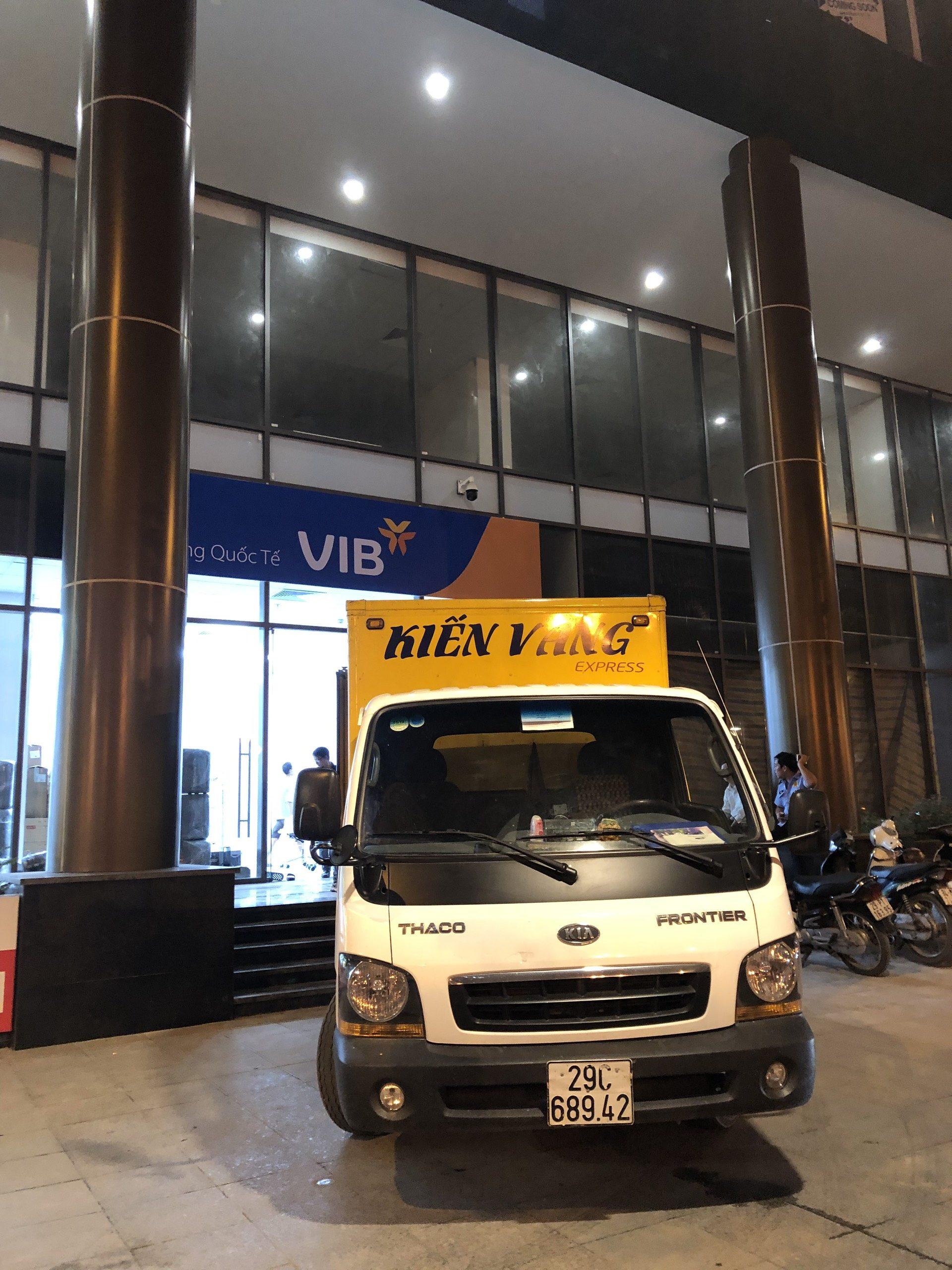 KIẾN VÀNG Vận Chuyển: Chi nhánh VIB Lê Văn Lương từ Nguyễn Chí Thanh về số 37 Lê Văn Lương, Cầu Giấy, Hà Nội