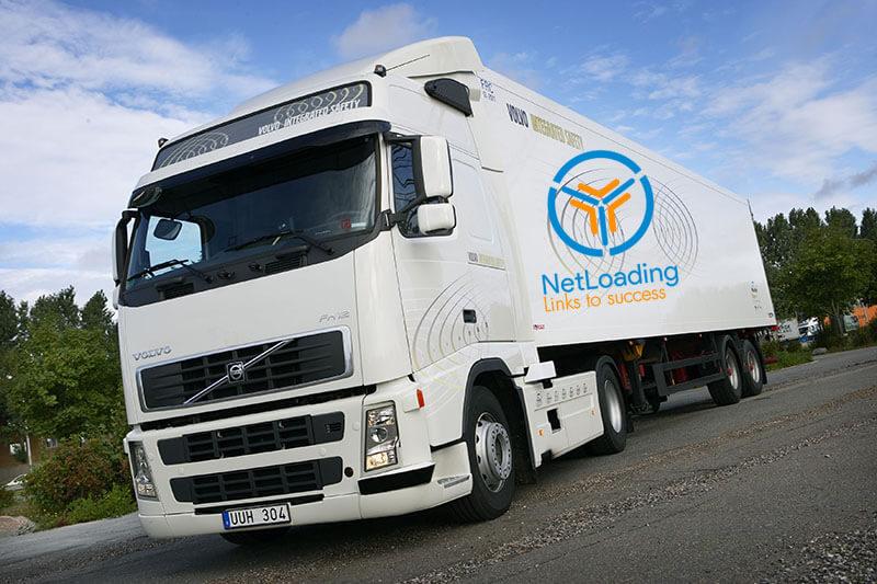 Vận tải đường dài bằng xe tải hạng nặng có ưu nhược điểm gì?